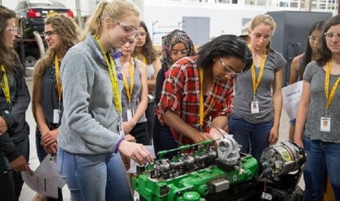 Michigan Tech Summer Youth Program Adds Coding, Design Classes