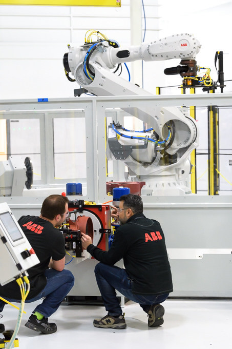 ABB Sells First Robot Manufactured In U.S.